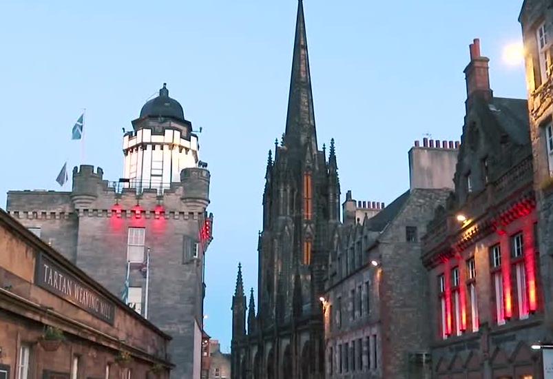 申请爱丁堡大学留学本科的要求