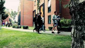 英国留学有哪些费用低的大学,这几所大学的费用合算