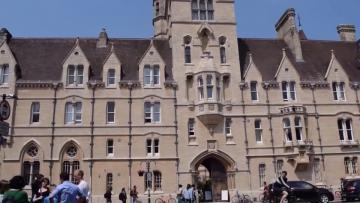 英国留学费用怎么交,主要有四种缴费方式