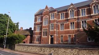 剑桥大学和哈弗大学的差距有哪些,真有这么大的差距吗