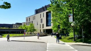 多伦多大学和英属哥伦比亚大学哪个好,答案怎么会是这样